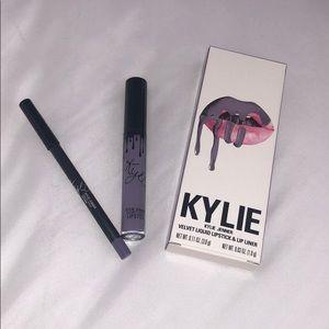 Kylie Cosmetics Makeup - Kylie Jenner Grape Soda Lip Kit